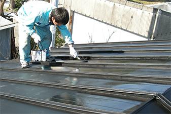 屋根塗装のベストな頻度は?耐久性は?